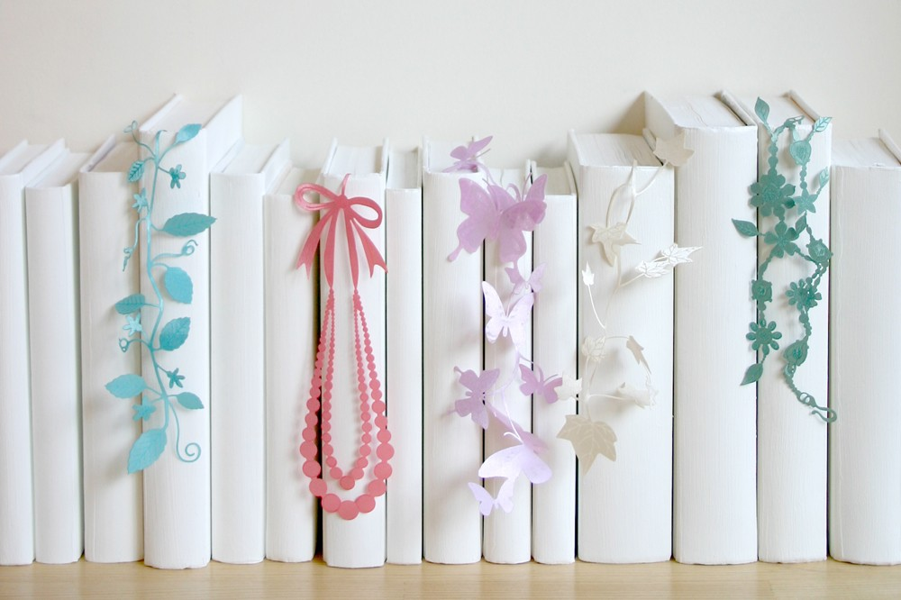 本棚をもっと自分らしく。SEE OH! Ribbonが彩る本のある生活