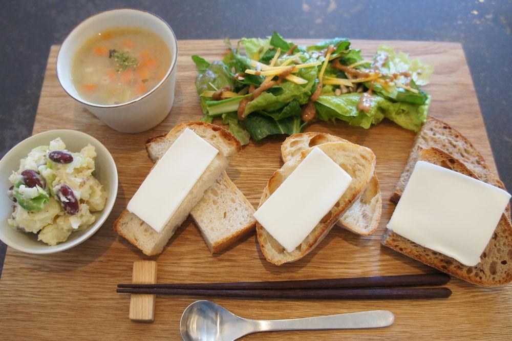 パンとバター、当たり前も新しく感じられる。つくし野『sens et sens』