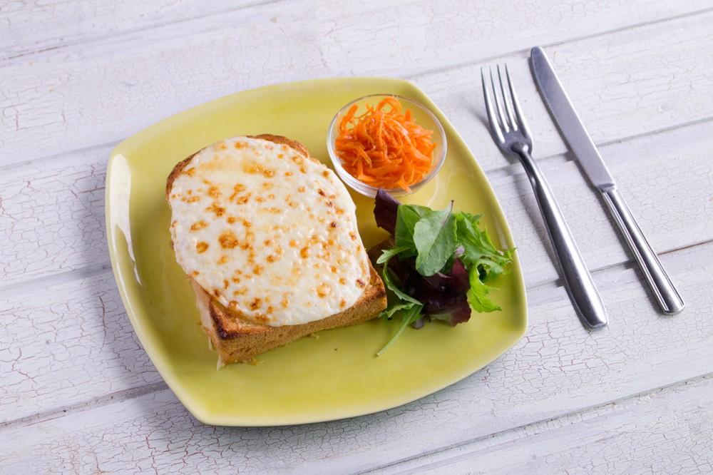 朝食にもブランチにも。濃厚チーズが決め手のクロックムッシュレシピ