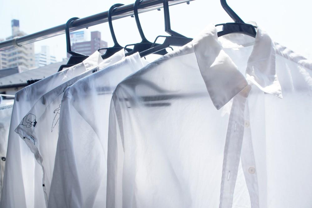 夏の空の下、まばゆいホワイトが着たい!白い洋服の洗濯術