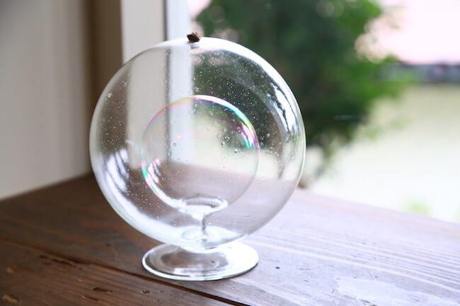 ガラス作家peter ivyさんのガラス作品「soup bubble holder」