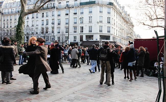 とのまりこのパリライフ!パリのマルシェではじまるダンス