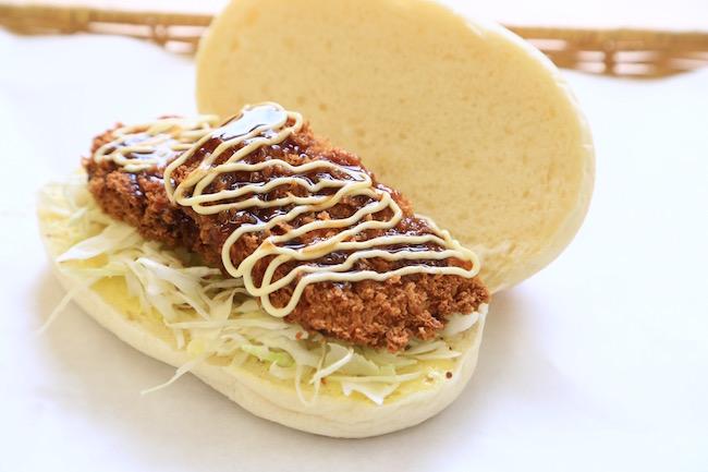 コッペパン専門店「吉田パン」で人気の「ハムカツ」