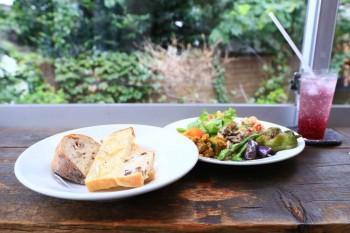 今週末は自家製なつめやし酵母のパンを求めて山手『オンザディッシュ』へ