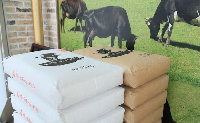 キタノカオリをメインに、オリジナルにブレンドした小麦粉
