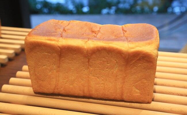『俺のBakery&Cafe』の「俺の生食パン」