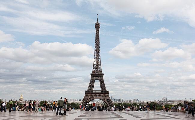 とのまりこのパリライフ!エッフェル塔の撮影スポット トロカデロ広場
