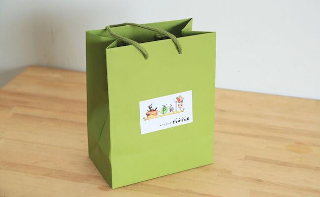 赤坂のホットケーキパーラー『フルフル』の紙袋