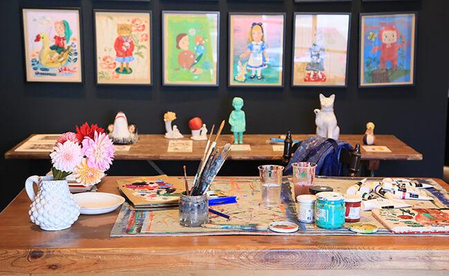 H.P.DECOで開催中のナタリー・レテ原画展「アトリエから、ナタリー。」