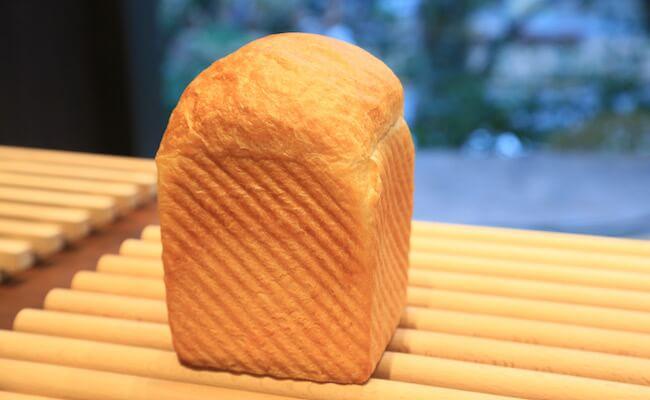 『俺のBakery&Cafe』の「マスカルポーネとハチミツの食パン」
