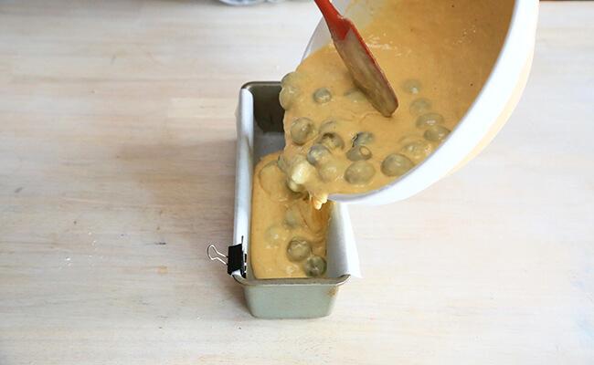 ケークサレの作り方 180℃のオーブンで30~45分焼きます