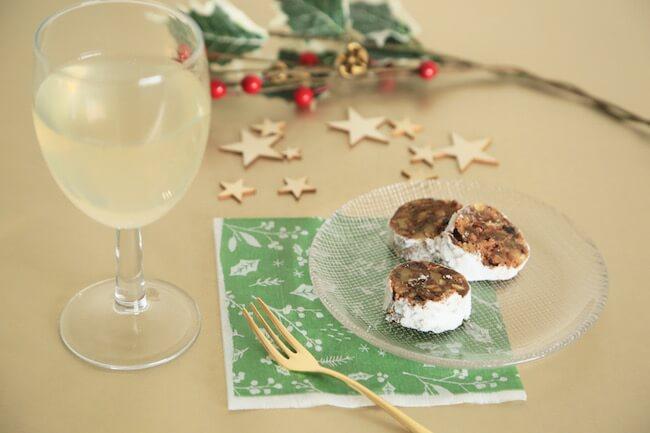 パレスホテル東京『Sweets & Deli(スイーツアンドデリ)』のベラヴェッカ・アン・ソシソンとワインを一緒に楽しむのも◎