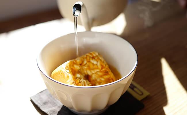 「バルミューダ ザ・ポット」はすぐにお湯が沸くのでフリーズドライ食品にもおすすめ