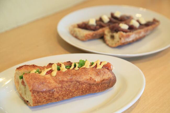 新高円寺のパン屋『SONKA』の「ホットドッグ」と「あんバター」