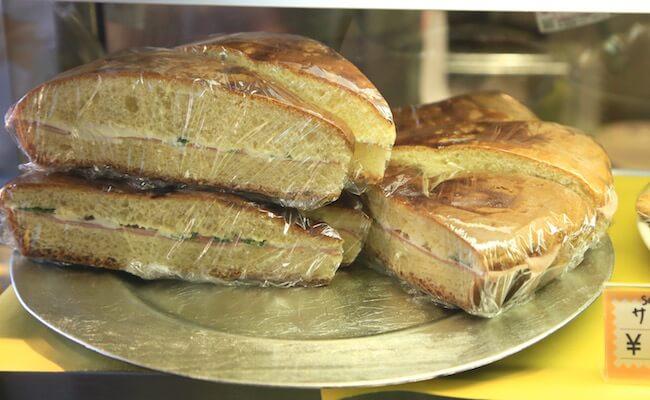 神楽坂「アルタムーラ」のブリオッシュのサンドイッチ