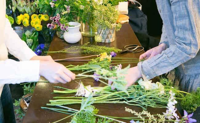 花を種類ごとに分けます
