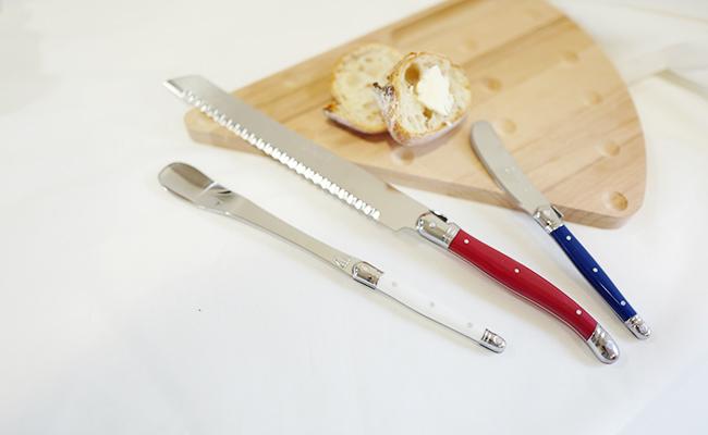 ジャムスプーン、ブレッドナイフ、バターナイフがセットになったライヨールのモーニングセット