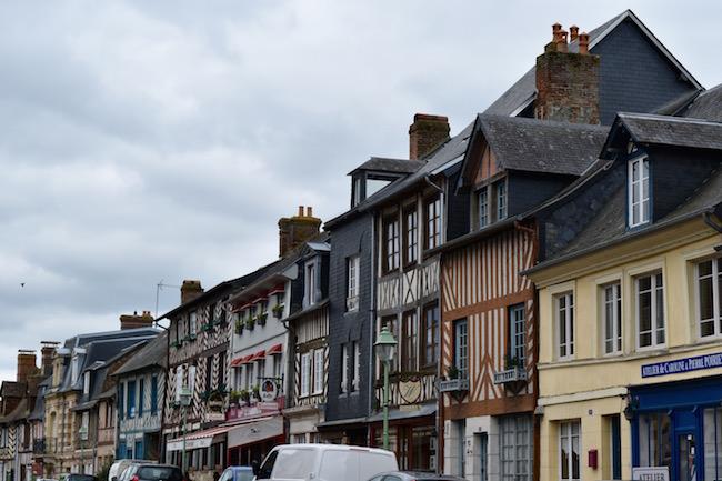 ノルマンディの小さな村Beaumont-en-Auge(ボーモン=アン=オージュ)