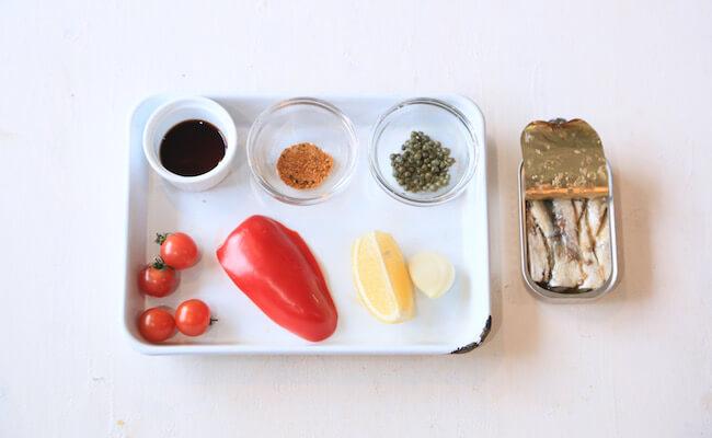 缶ごとコトコトピリ辛オイルサーディンの材料