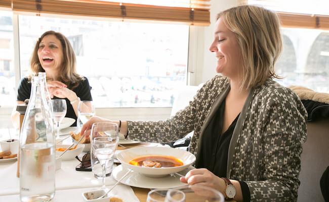 魚介のうまみたっぷりのスープだけを飲める、フランスの名物料理「スープ・ドゥ・ポワソン」