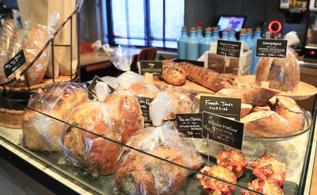 都立大学駅『ミート アンド ベーカリー バンボ』の自家製パン