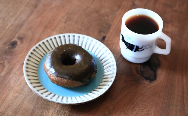 聖蹟桜ヶ丘『ハグジードーナツ』の「ほうじ茶たけし」