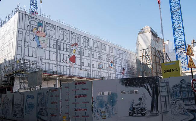 セーヌ川沿いのデパート「ラ・サマリテーヌ(La Samaritaine)」の工事幕は日本人イラストレーターのKanako(カナコ)さん