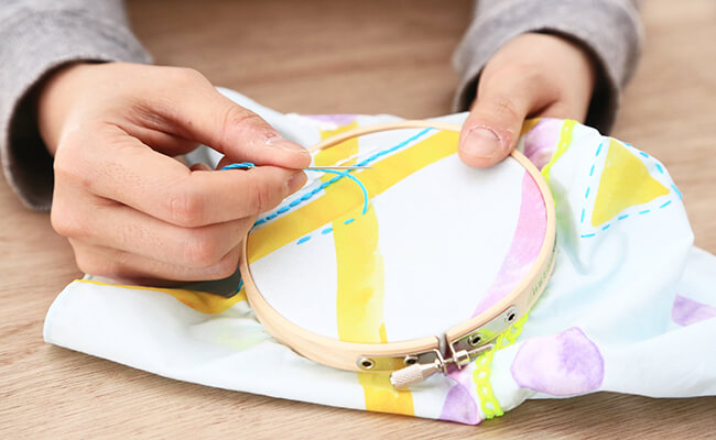 フランスマダムにも人気の刺繍!簡単キットでかわいい&本格刺繍に挑戦