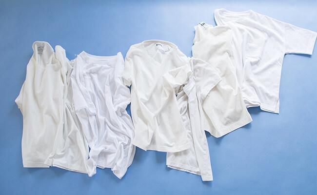 定番の白Tシャツ