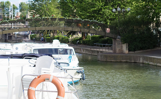 南仏の人気バカンス!?運河をボートで暮らしながら巡る旅