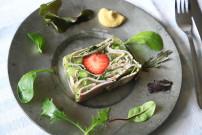#萌え断フレンチメニュー!ハムとパセリといちごのテリーヌのレシピ