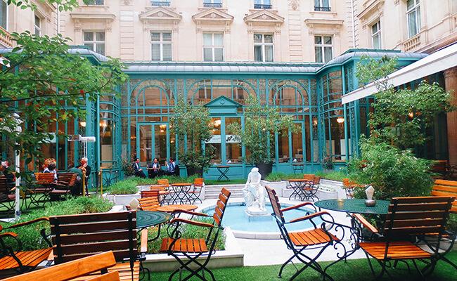 パリ旅の醍醐味はお洒落なカフェにあえてぼーっとしに行くこと