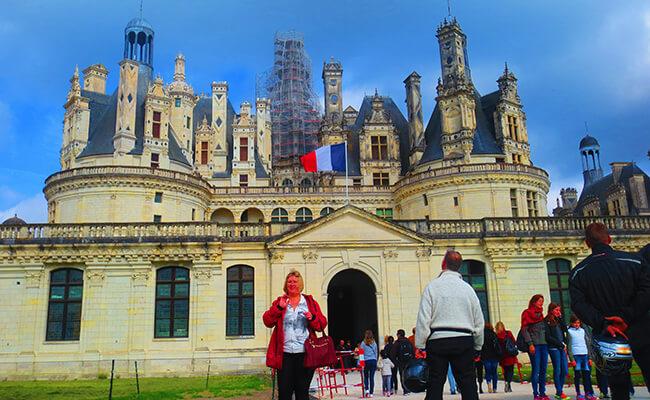 パリから1日バスツアー!ロワール古城巡りとのんびりランチの旅