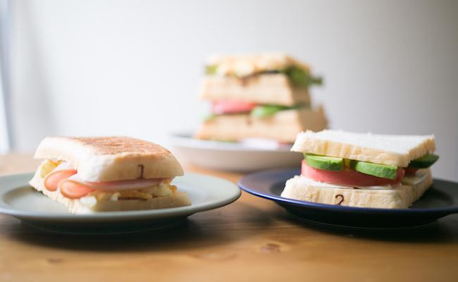 『Pain de Singe(パン ド サンジュ)』の「とびばこパン」を使ったサンドイッチ