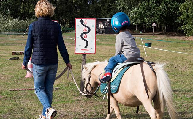 ラ・ボールでのバカンス!息子のはじめての乗馬体験