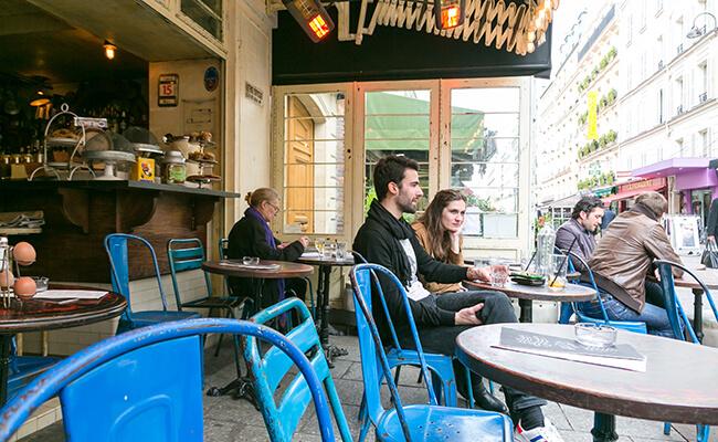 パリの日常が垣間見れる!エッフェル塔近くのクレー通り散歩