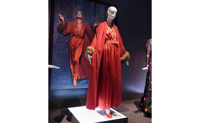 オードリー・ヘップバーンも着用!ジヴァンシーのファッション
