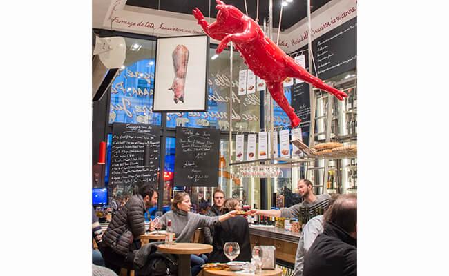 気軽に立ち寄れるパリの立ち飲みバー『アヴァン・コントワール・デ・コション』