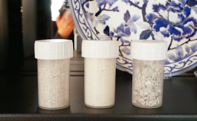 セラミックの材料となる、砂・粘土・カオリン