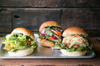週に1度のお楽しみ。立川『かいじゅう屋』のカラフルサンドイッチ