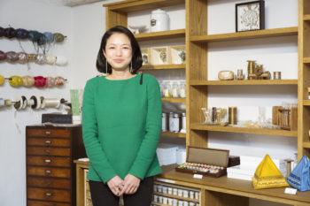 小林モー子さんに聞く、パリで学んだオートクチュール刺繍の世界