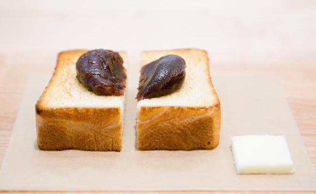 『トラヤカフェ・あんスタンド』新宿店で販売されている「あんペースト」を使った「あんトースト」