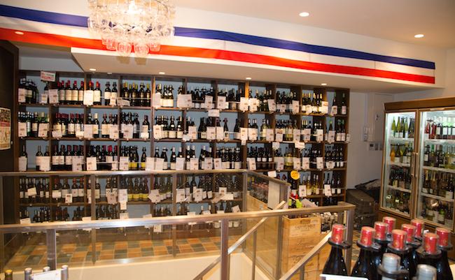 同じビルにある系列店のワインショップ