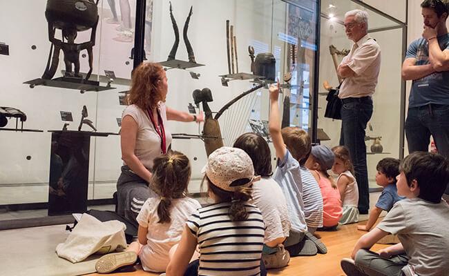 『音楽博物館』の子ども向けアトリエで、音楽のレッスン