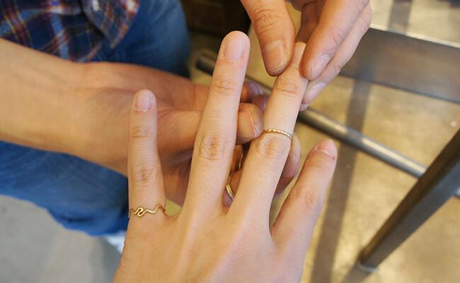 指輪をその場で作ってくれる!小町通りのアクセサリーショップ『gram』