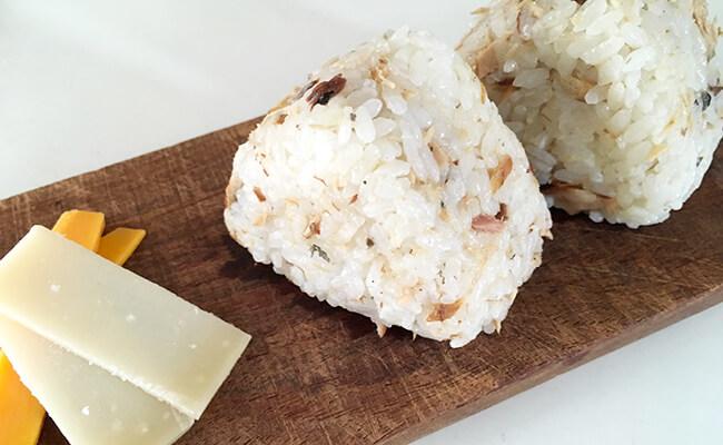 サバ節伝統製法で作られる「オイルサバディン駿河燻鯖」