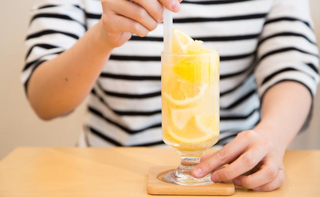 下高井戸『PARLOR SHISHIDO(パーラー シシド)』の「レモンスカッシュ」
