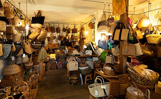 お気に入りのかごバッグを探しに 吉祥寺『menui』へ