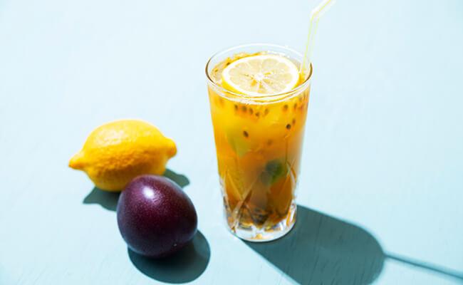 トロピカルフルーツのジャスミンティソーダ