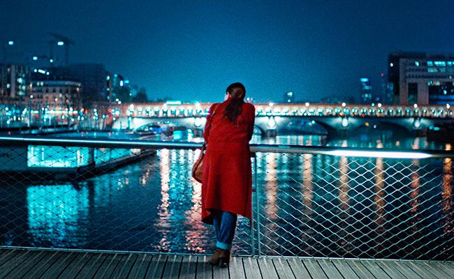 痛すぎる31歳のパリジェンヌがパリで右往左往!?映画『若い女』